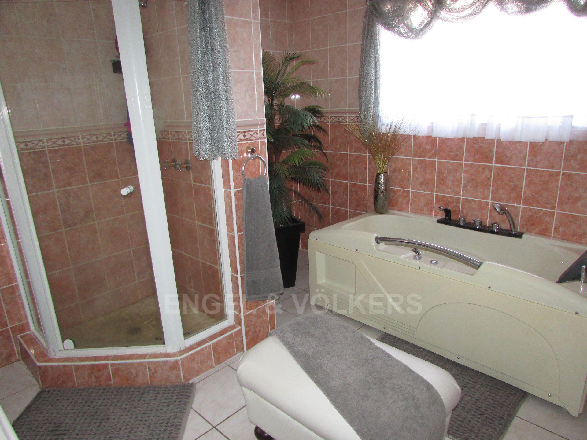 Ramsgate property for sale. Ref No: 13442325. Picture no 10