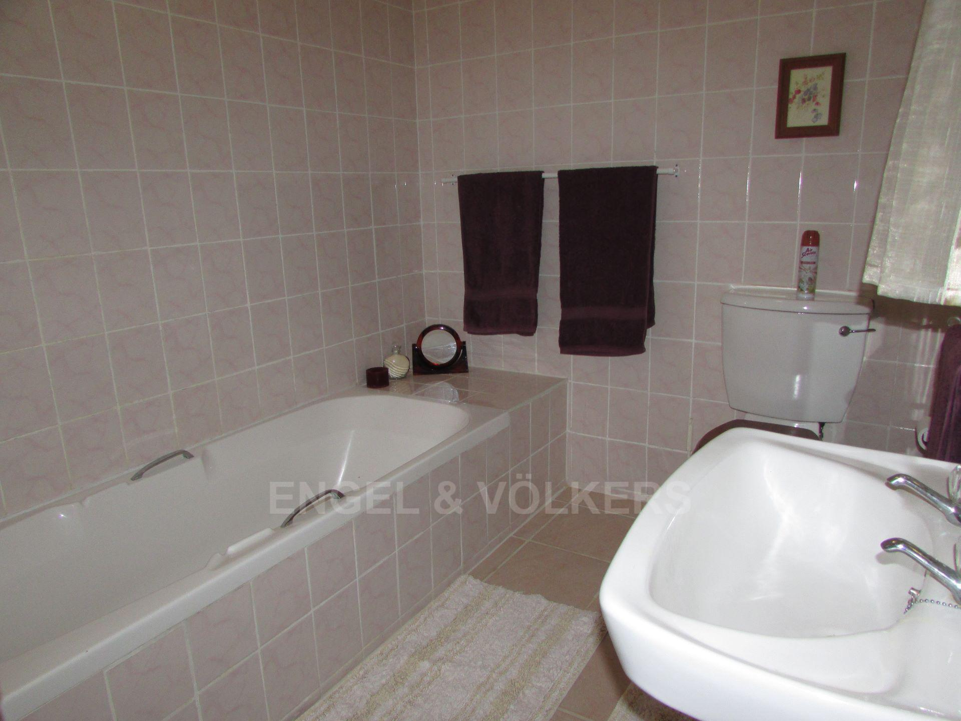 Ramsgate property for sale. Ref No: 13442325. Picture no 23
