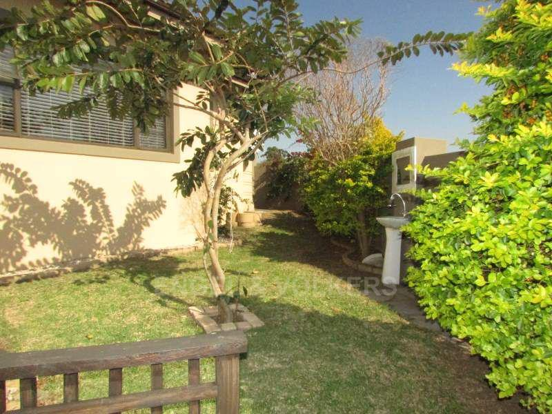 Shelly Beach property for sale. Ref No: 13379808. Picture no 19