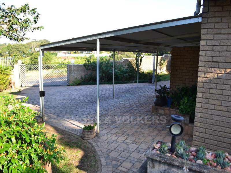 Uvongo property for sale. Ref No: 13401665. Picture no 16