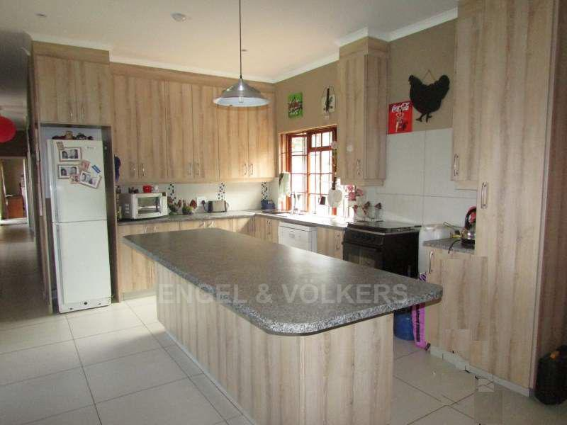 Ramsgate property for sale. Ref No: 13408397. Picture no 3
