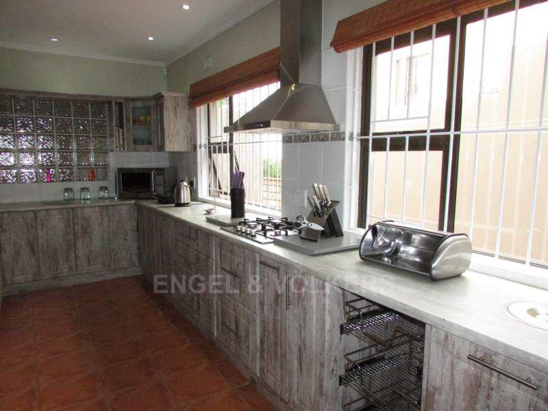 Uvongo property for sale. Ref No: 13411756. Picture no 5