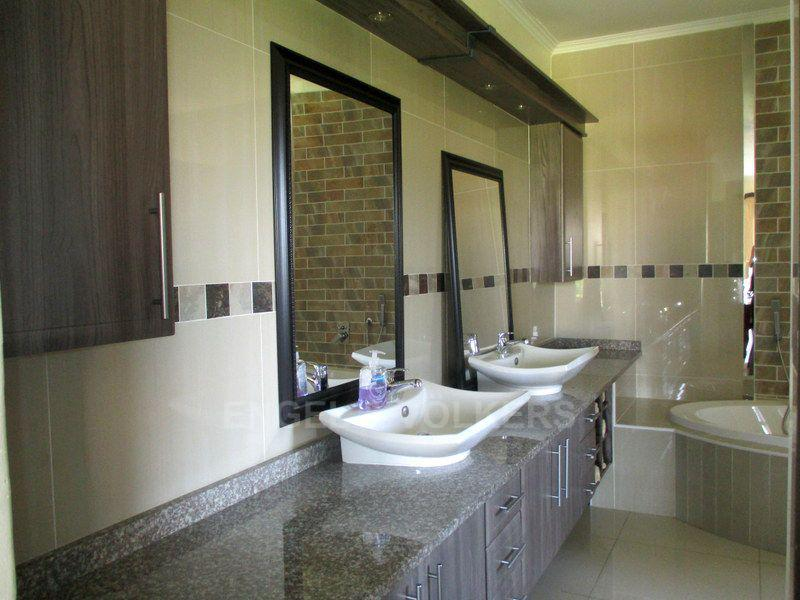 Shelly Beach property for sale. Ref No: 13415215. Picture no 19