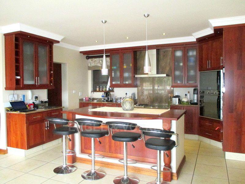 Margate property for sale. Ref No: 13466819. Picture no 5
