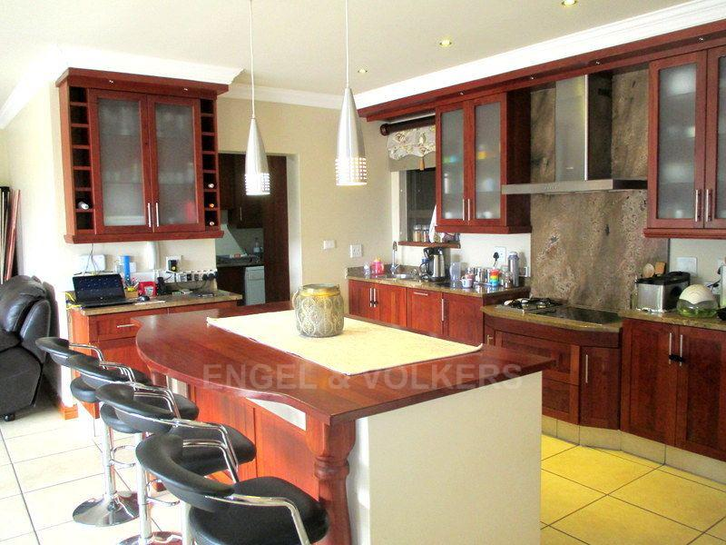 Margate property for sale. Ref No: 13466819. Picture no 7