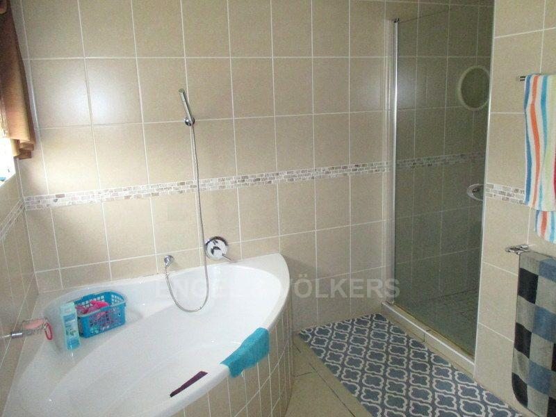 Margate property for sale. Ref No: 13466819. Picture no 14