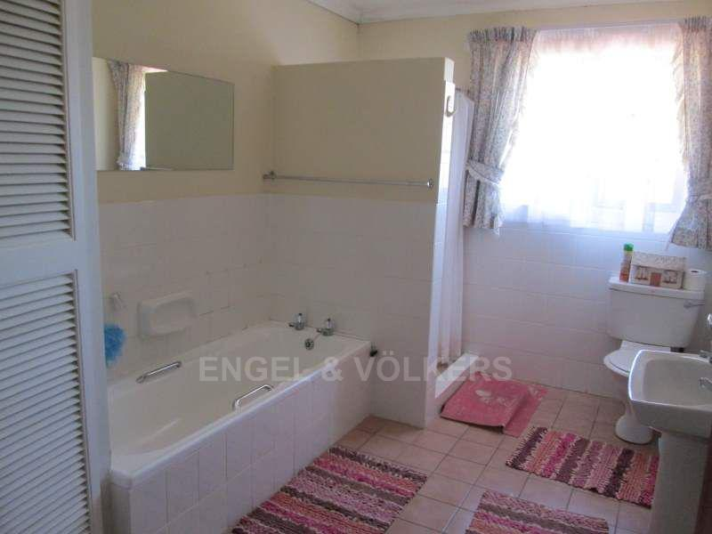 Southbroom property for sale. Ref No: 13466720. Picture no 16