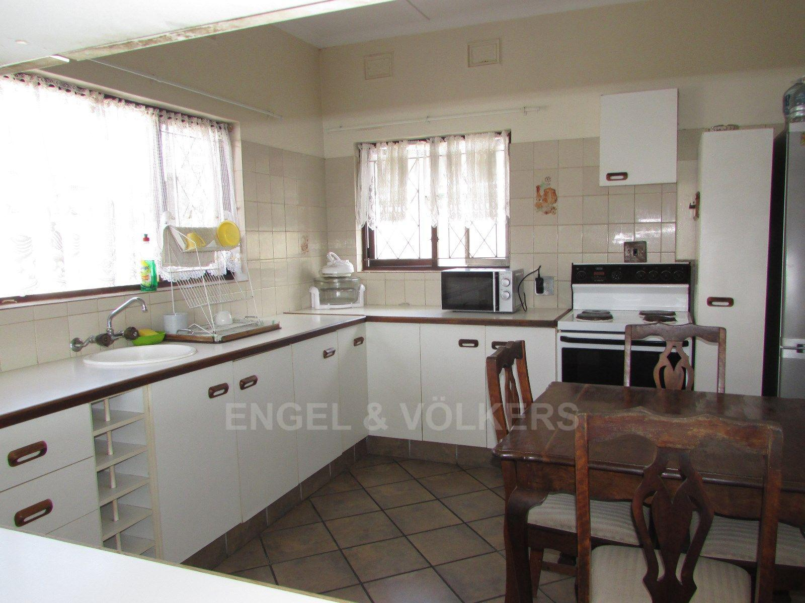 Uvongo property for sale. Ref No: 13451733. Picture no 3