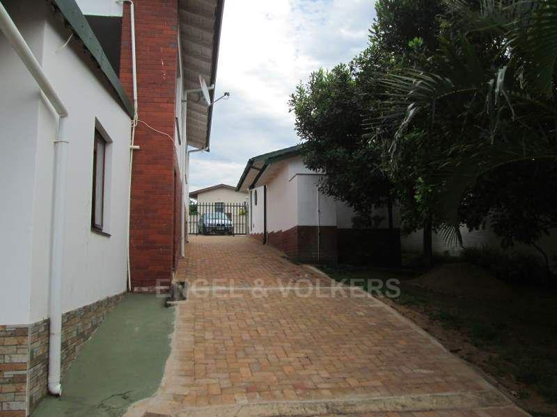Uvongo property for sale. Ref No: 13465290. Picture no 3