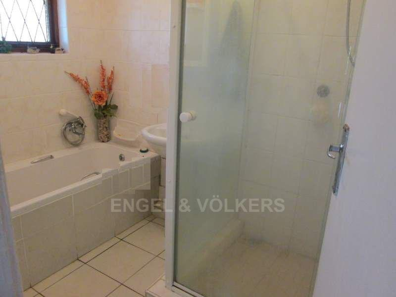 Uvongo property for sale. Ref No: 13465290. Picture no 12