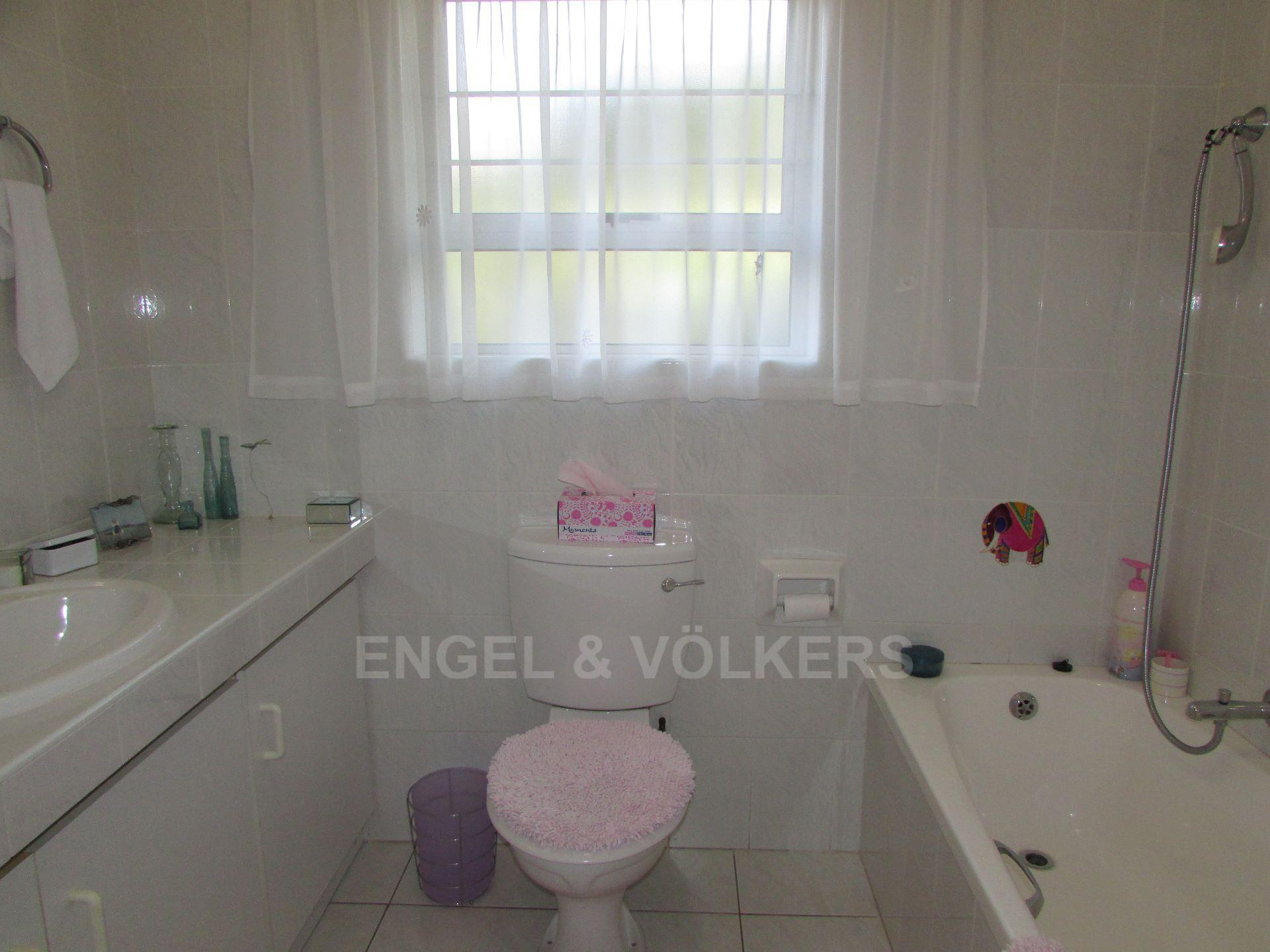 Margate property for sale. Ref No: 13488969. Picture no 6