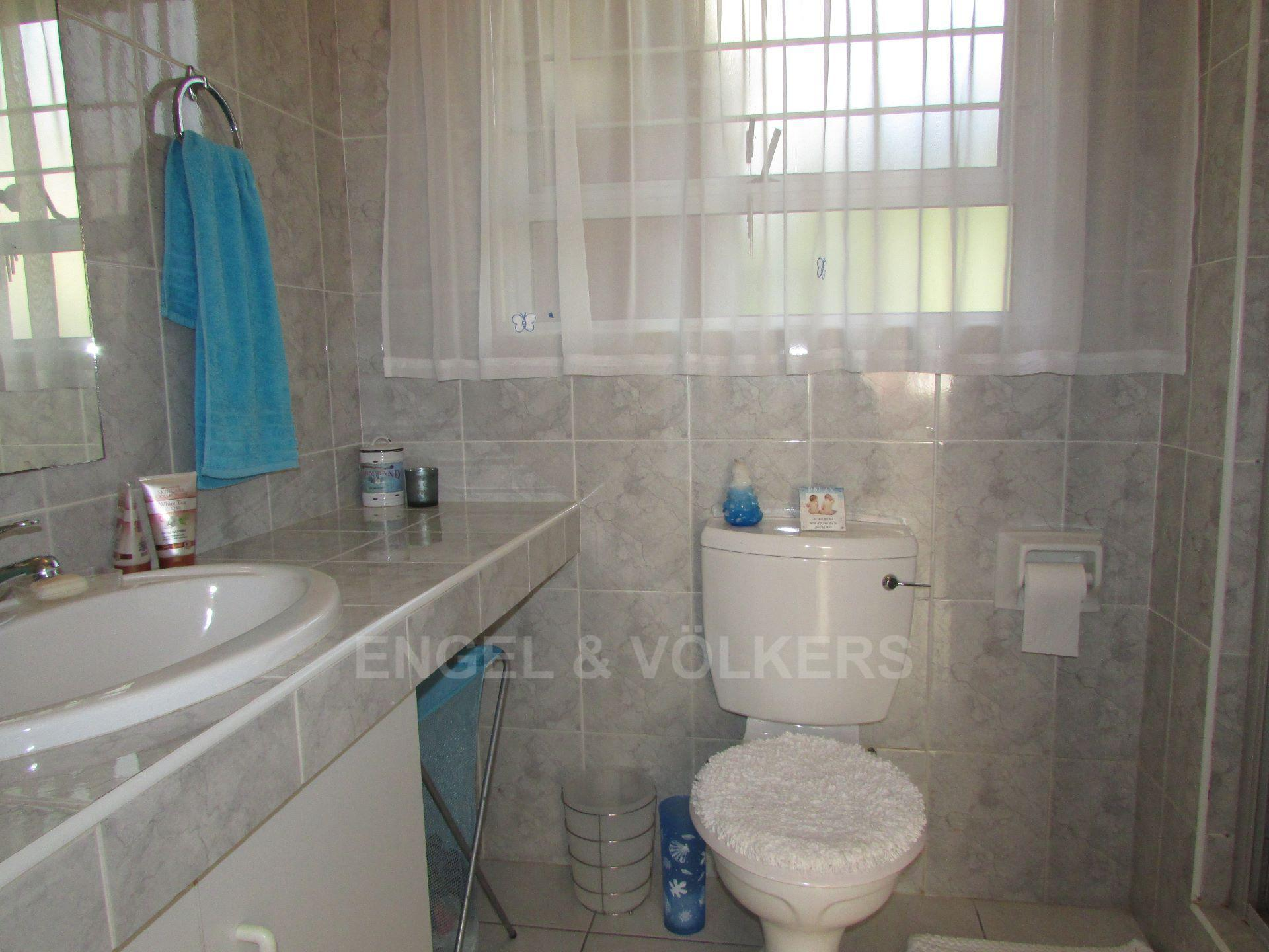 Margate property for sale. Ref No: 13488969. Picture no 8