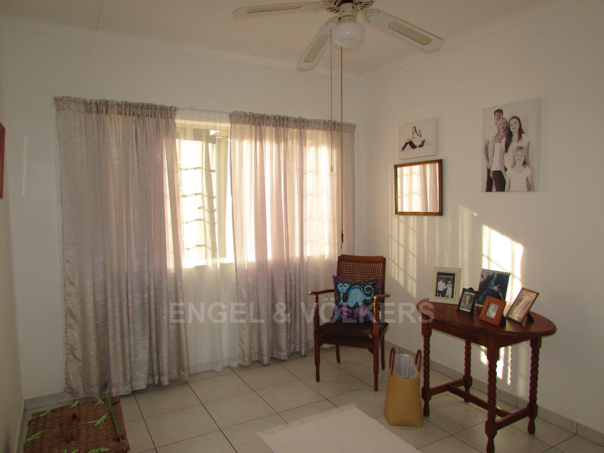 Margate property for sale. Ref No: 13488969. Picture no 9