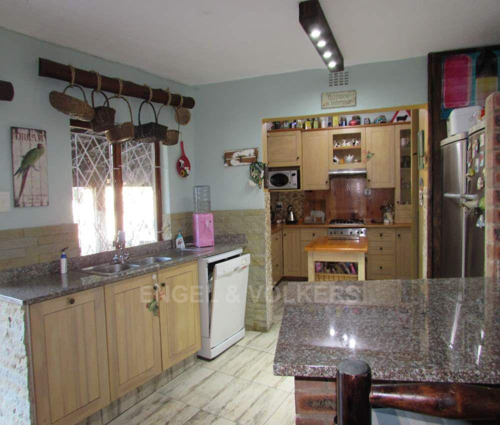 Margate property for sale. Ref No: 13491488. Picture no 3