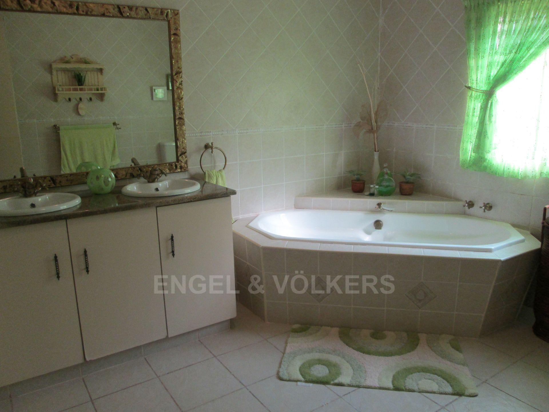 Southbroom property for sale. Ref No: 13502158. Picture no 16