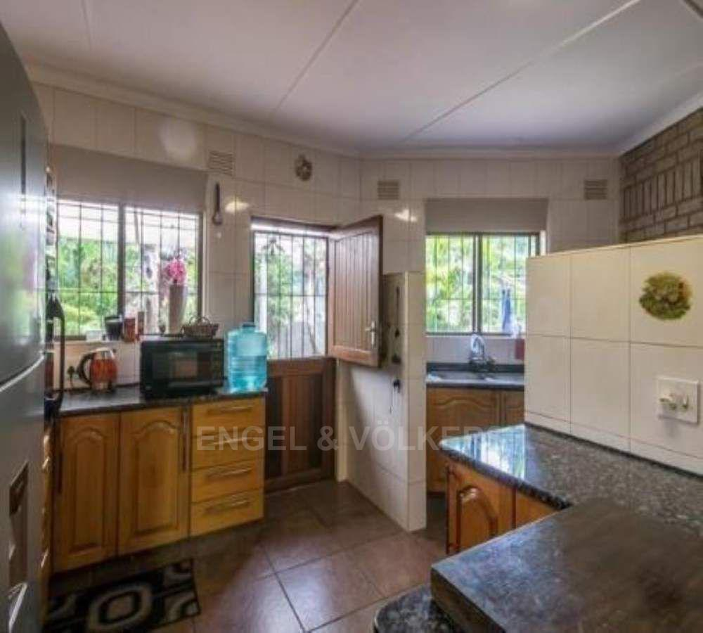 Shelly Beach property for sale. Ref No: 13509583. Picture no 4