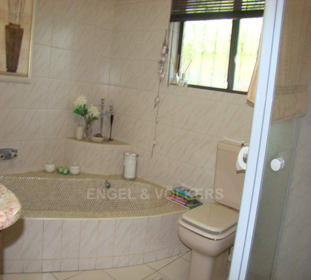 Shelly Beach property for sale. Ref No: 13509583. Picture no 11