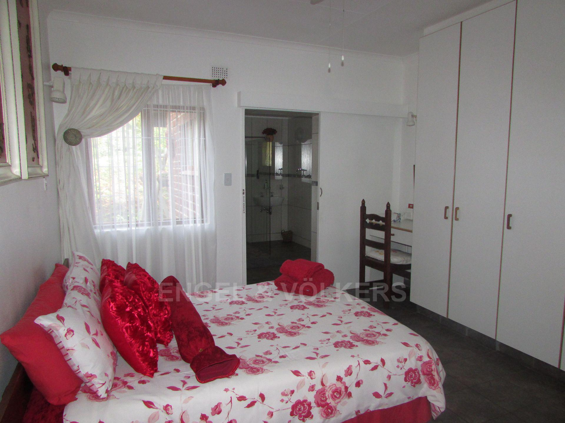 Shelly Beach property for sale. Ref No: 13515443. Picture no 17