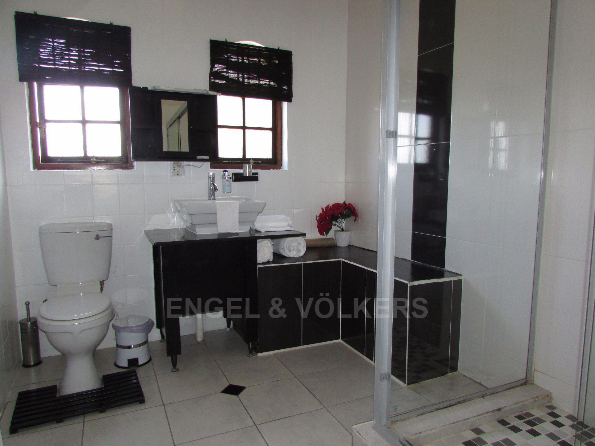 Uvongo property for sale. Ref No: 13533165. Picture no 10
