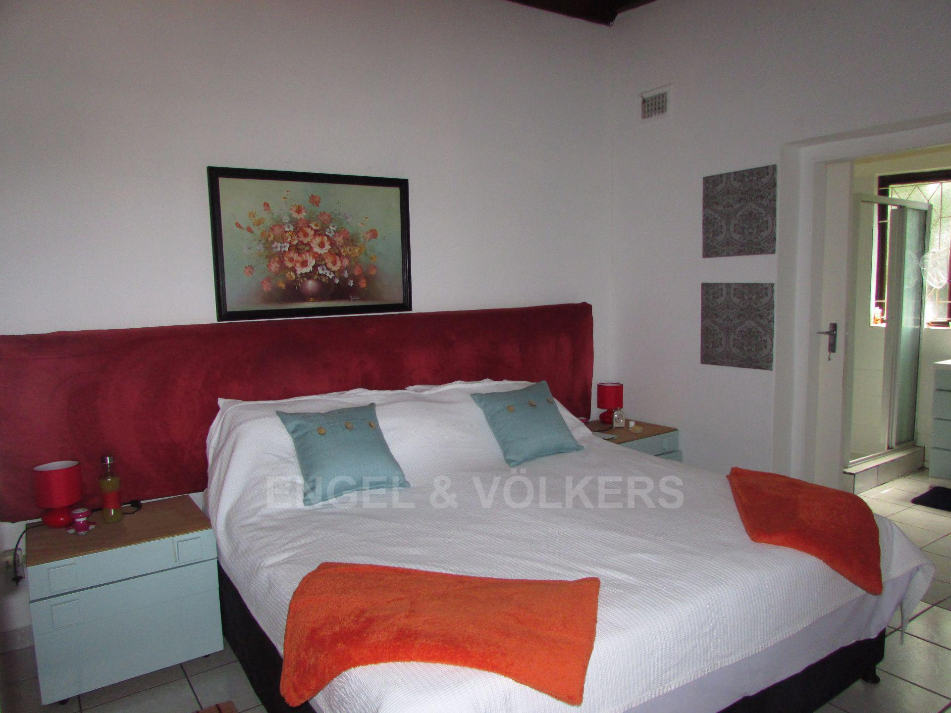 Uvongo property for sale. Ref No: 13533165. Picture no 14