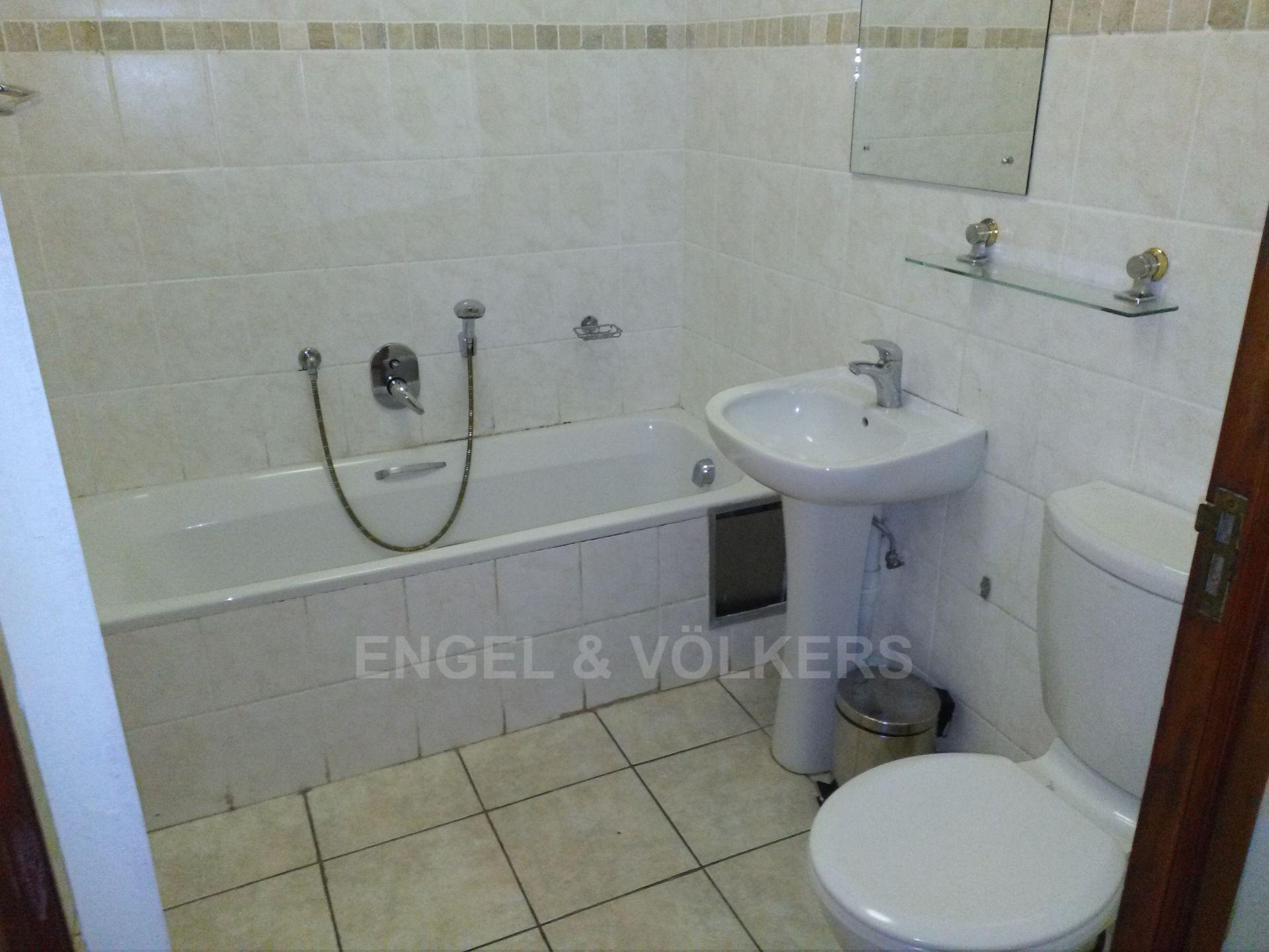 Margate property for sale. Ref No: 13569504. Picture no 9