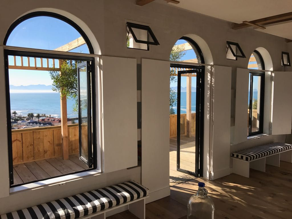 Kalk Bay property for sale. Ref No: 13548993. Picture no 2