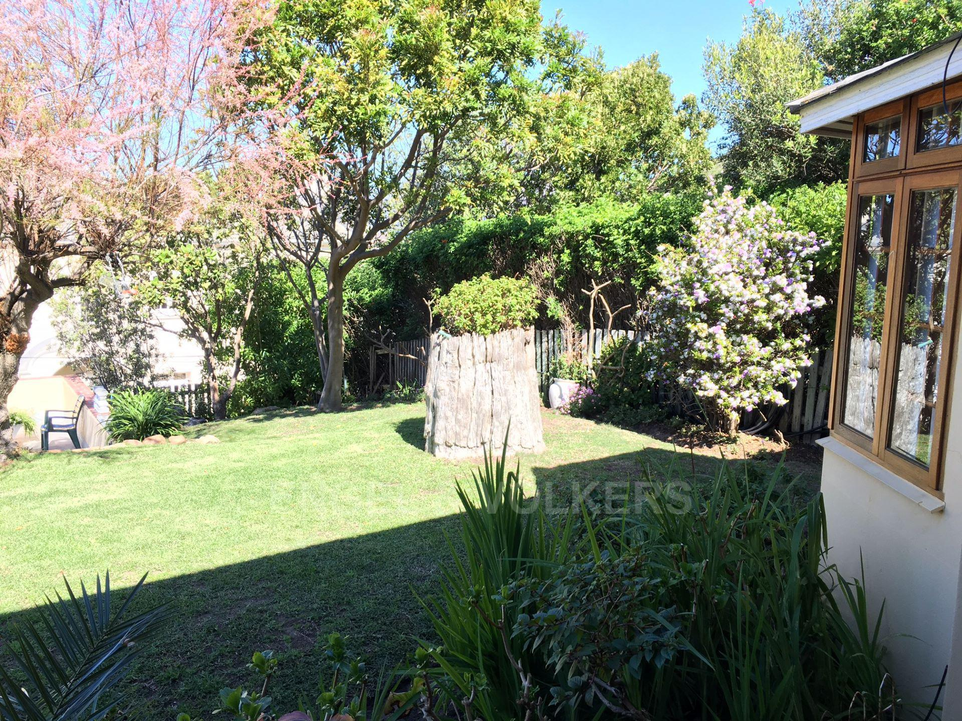 Kalk Bay property for sale. Ref No: 13548995. Picture no 2