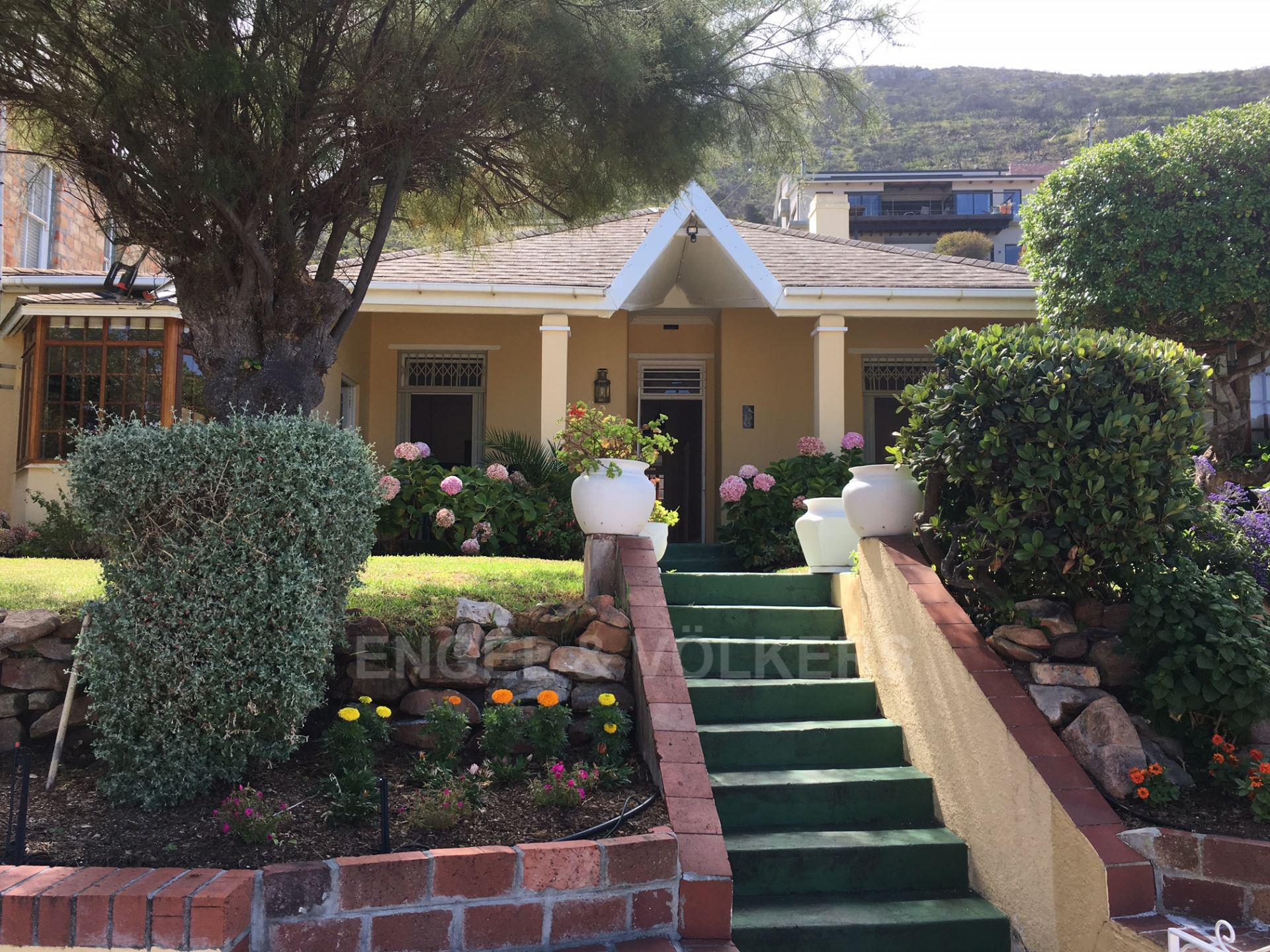 Kalk Bay property for sale. Ref No: 13548995. Picture no 11