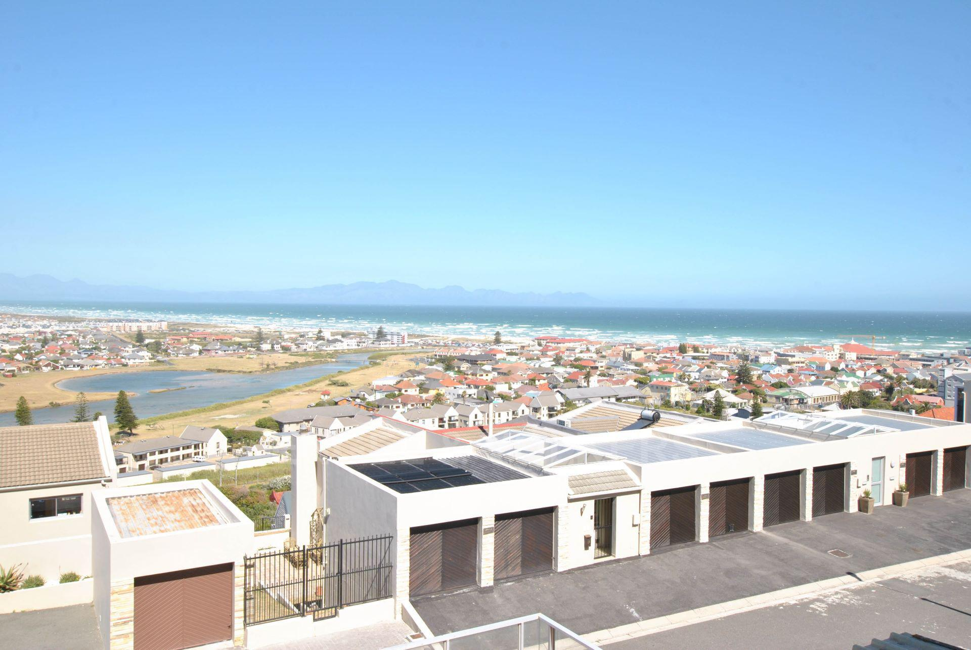 Cape Town, Muizenberg Property    Houses For Sale Muizenberg, MUIZENBERG, Apartment 3 bedrooms property for sale Price:3,690,000