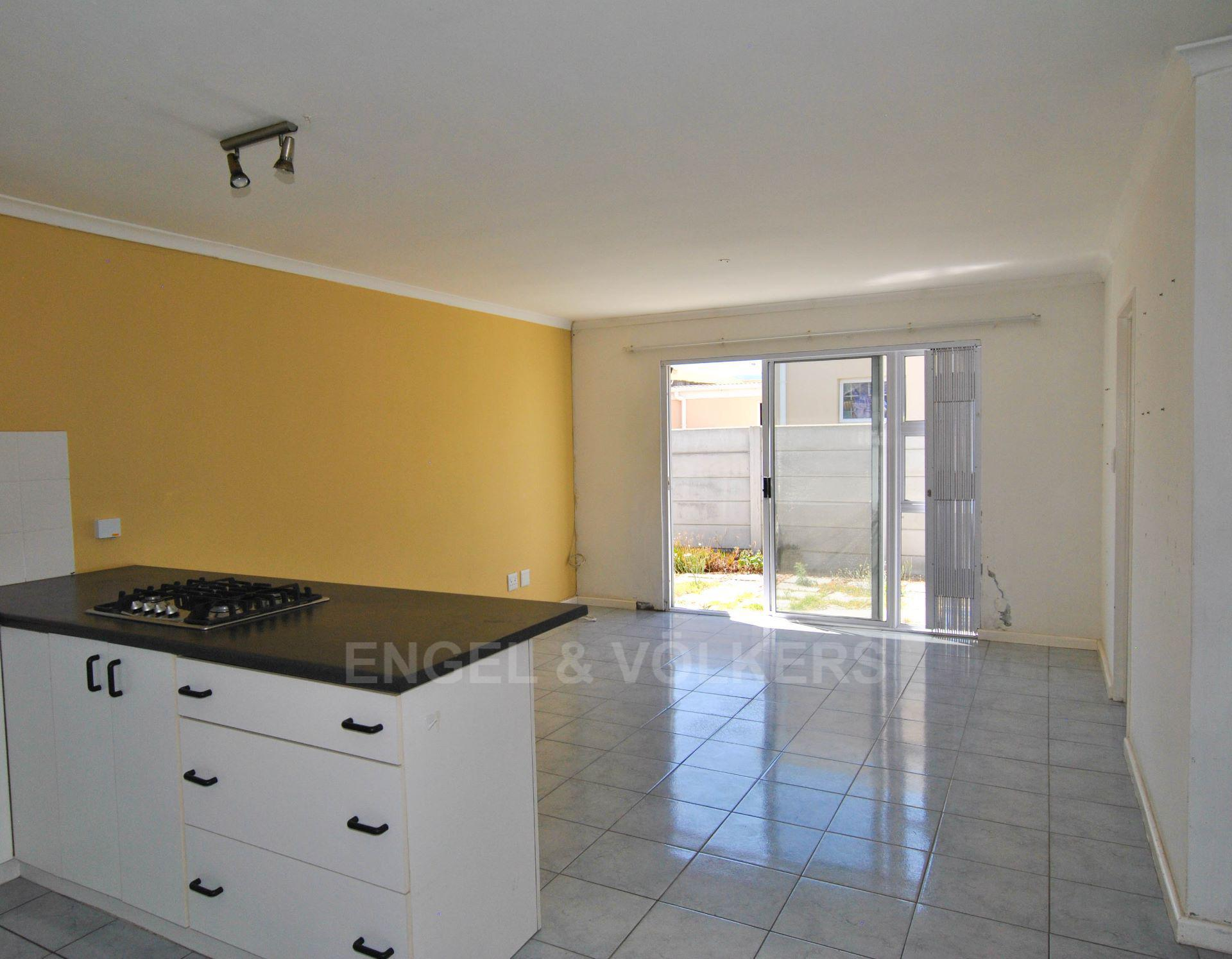 Muizenberg property for sale. Ref No: 13563391. Picture no 4