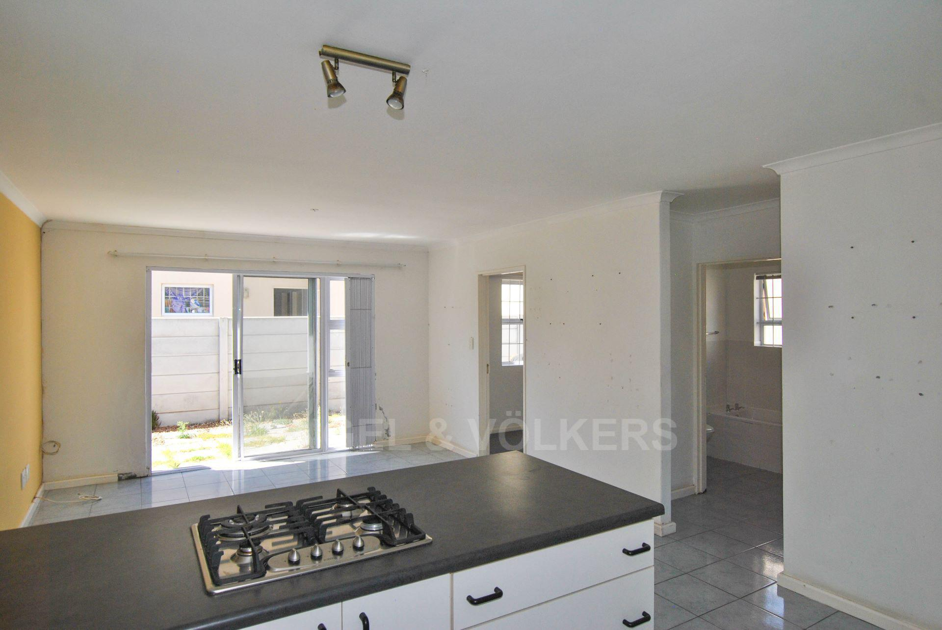 Muizenberg property for sale. Ref No: 13563391. Picture no 5