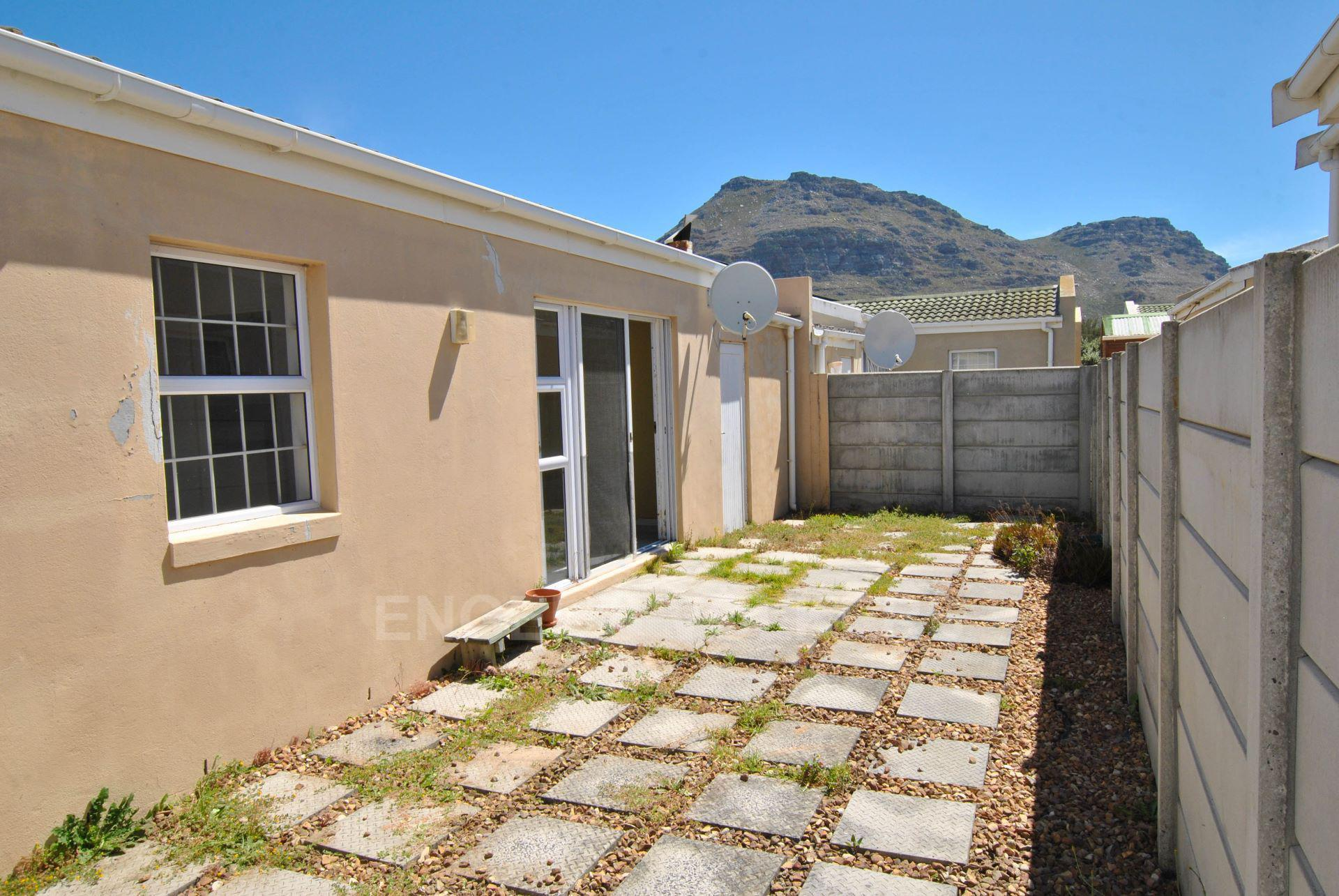 Muizenberg property for sale. Ref No: 13563391. Picture no 6