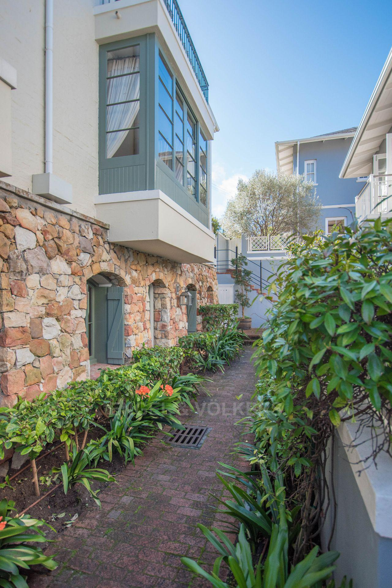 Kalk Bay property for sale. Ref No: 13568795. Picture no 23