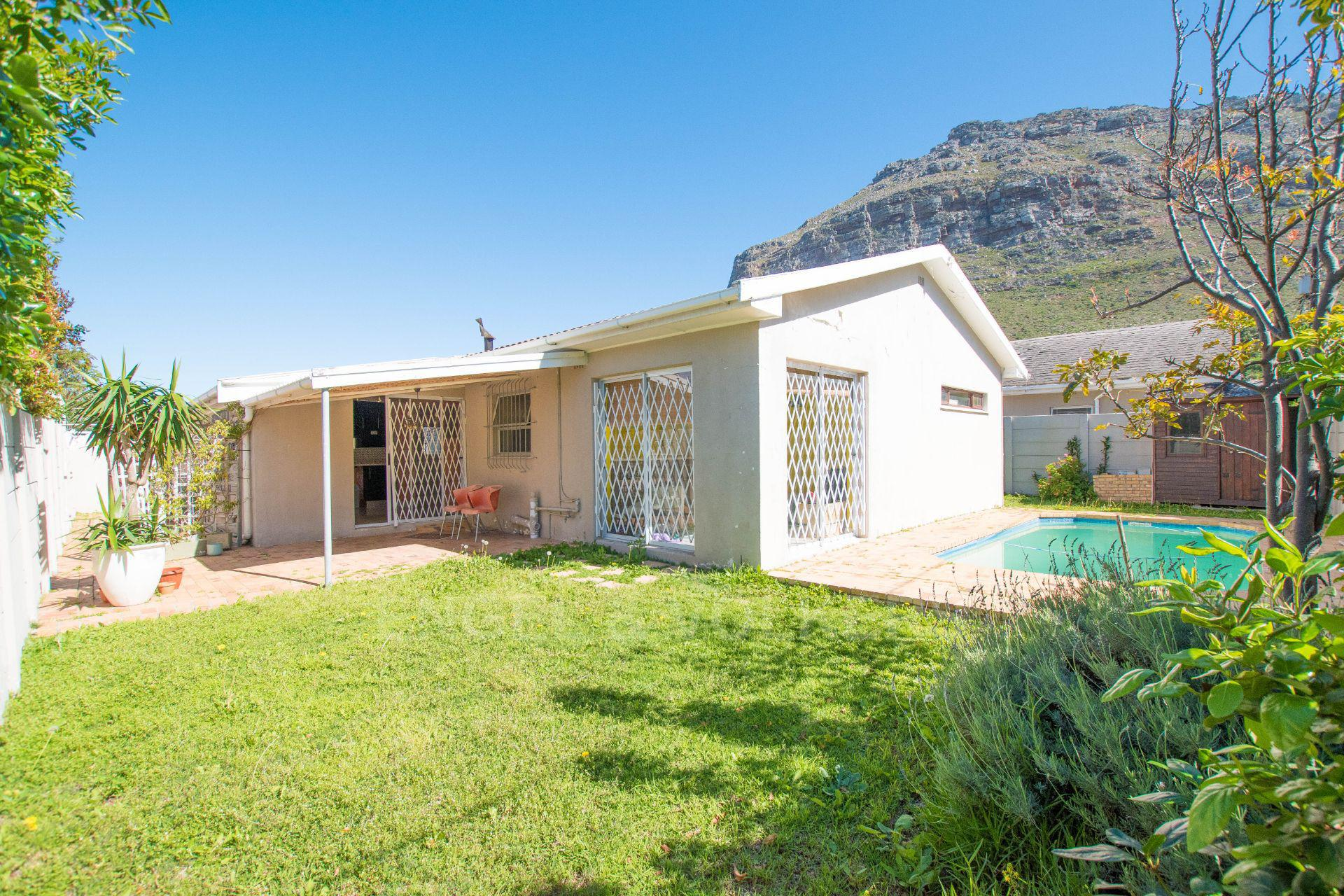 Cape Town, Lakeside Property  | Houses For Sale Lakeside, LAKESIDE, House 4 bedrooms property for sale Price:2,550,000