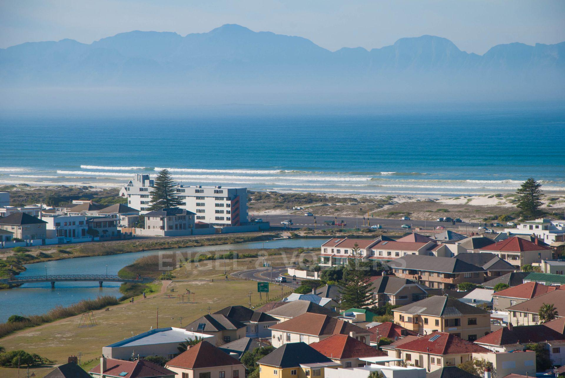 Cape Town, Muizenberg Property    Houses For Sale Muizenberg, MUIZENBERG, Apartment 3 bedrooms property for sale Price:3,250,000