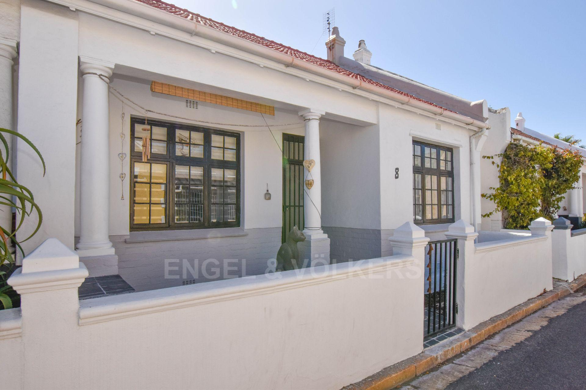 Cape Town, Muizenberg Property    Houses For Sale Muizenberg, MUIZENBERG, House 4 bedrooms property for sale Price:3,600,000
