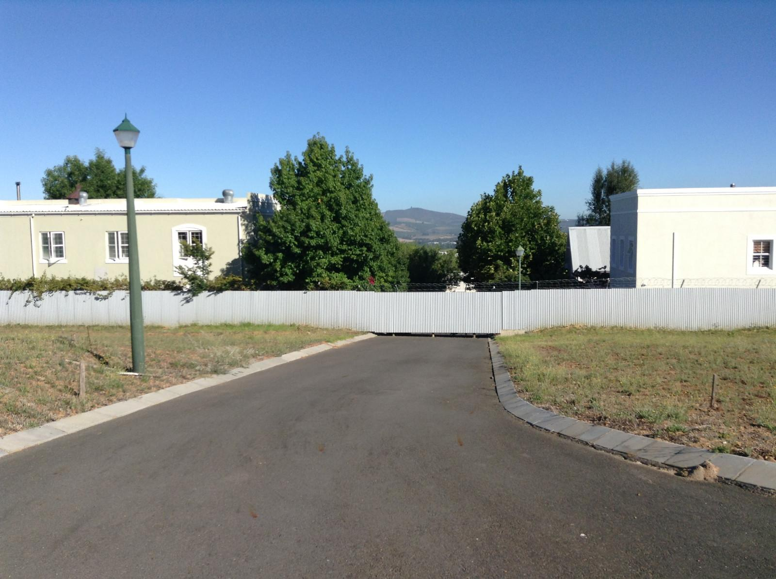 Paradyskloof property for sale. Ref No: 13537969. Picture no 4