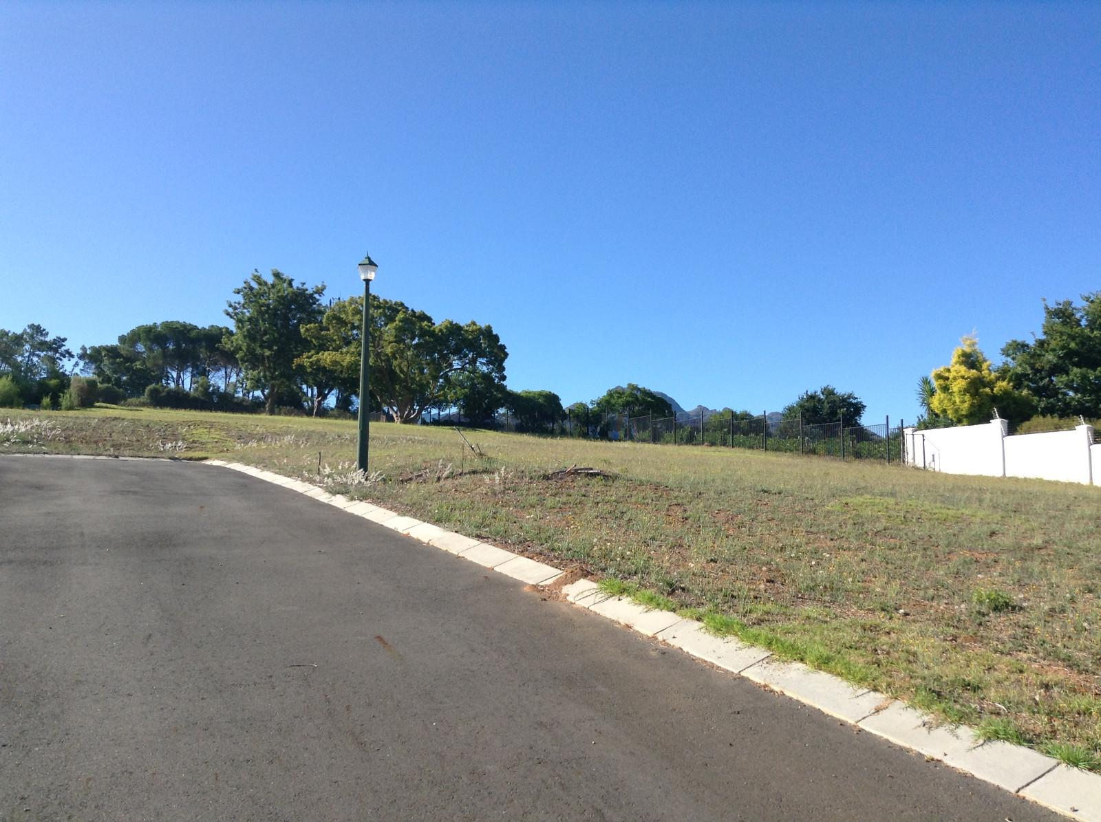 Paradyskloof property for sale. Ref No: 13537969. Picture no 13