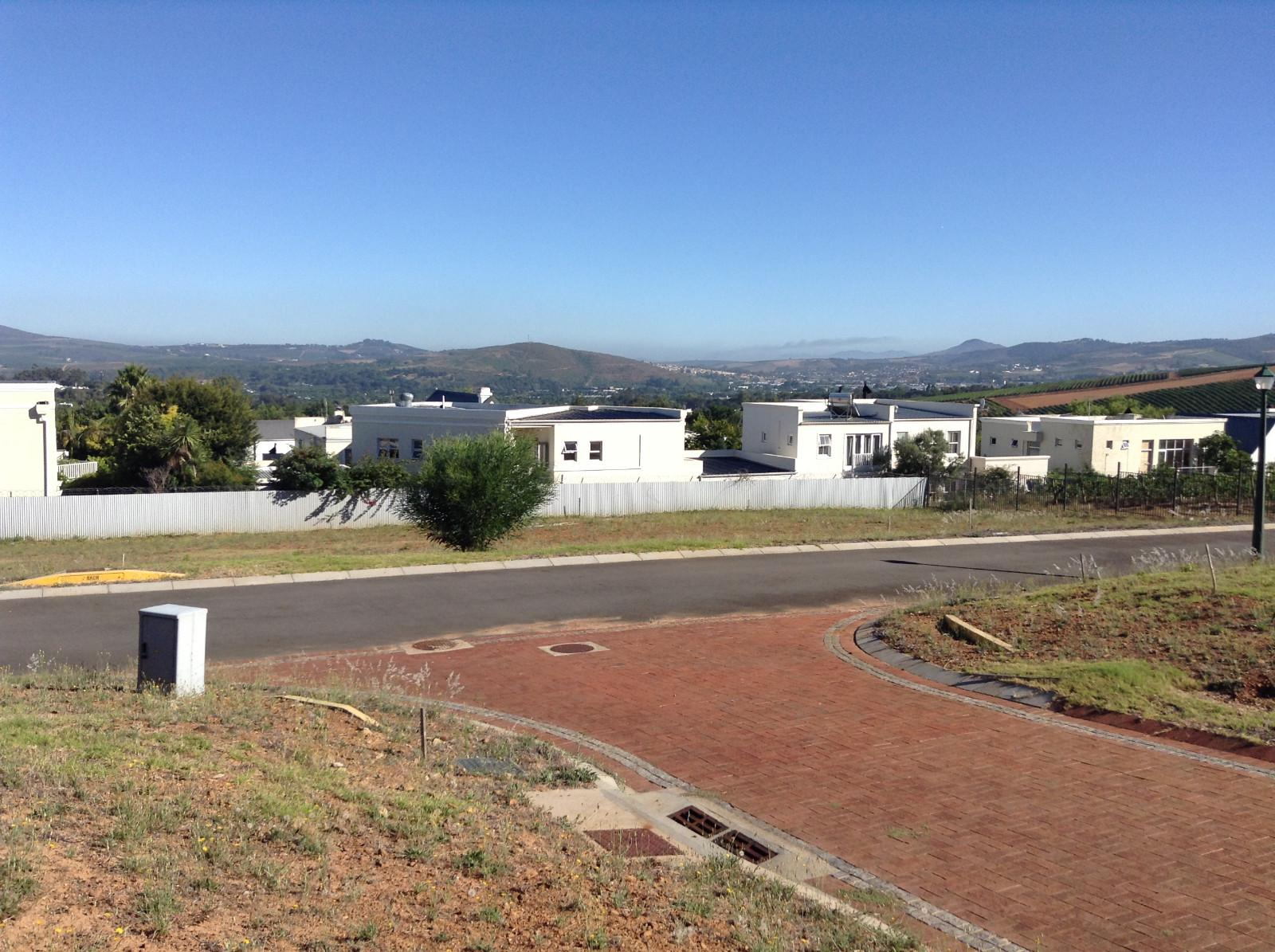 Paradyskloof property for sale. Ref No: 13537969. Picture no 25