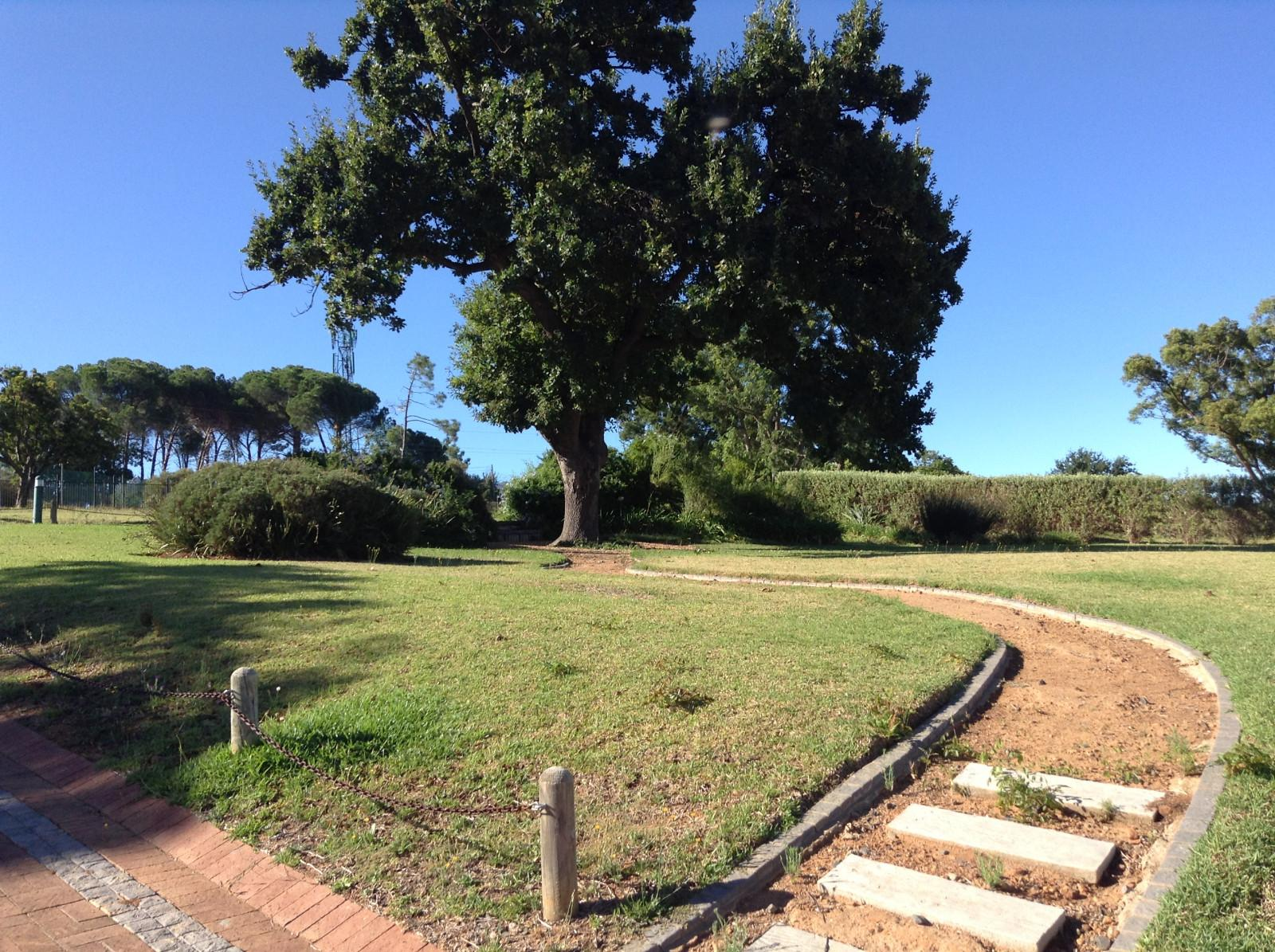 Paradyskloof property for sale. Ref No: 13537969. Picture no 26