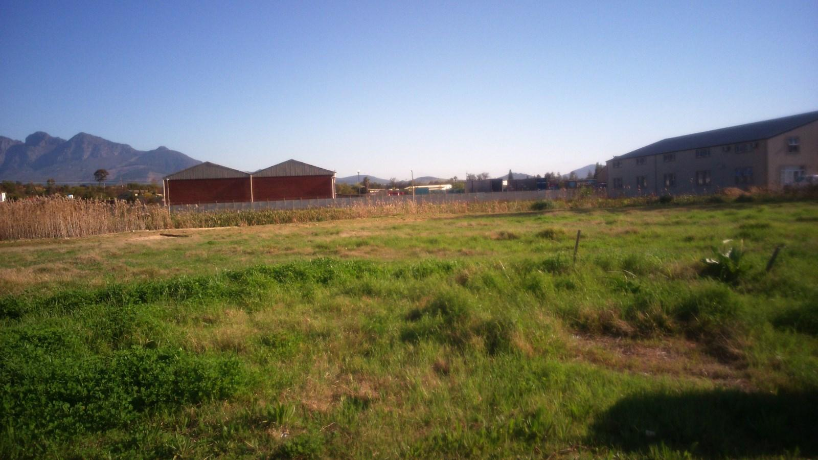 Suider Paarl property for sale. Ref No: 13243287. Picture no 2