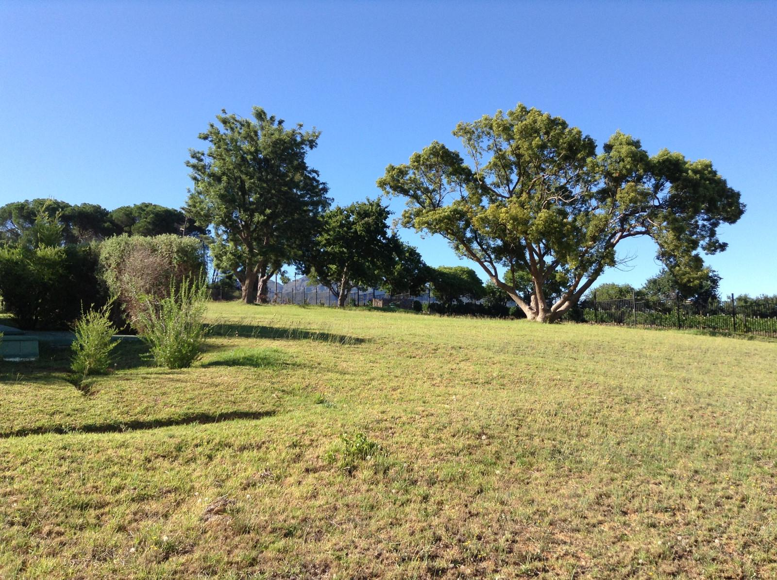Paradyskloof property for sale. Ref No: 13537971. Picture no 4