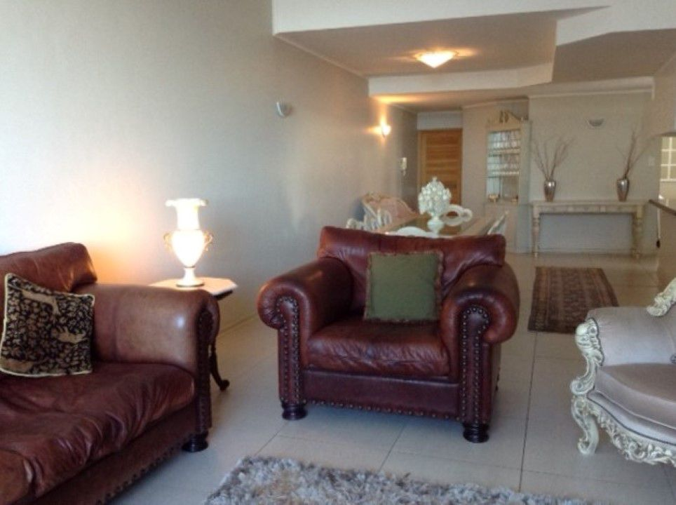 Strand Central property for sale. Ref No: 13658706. Picture no 10