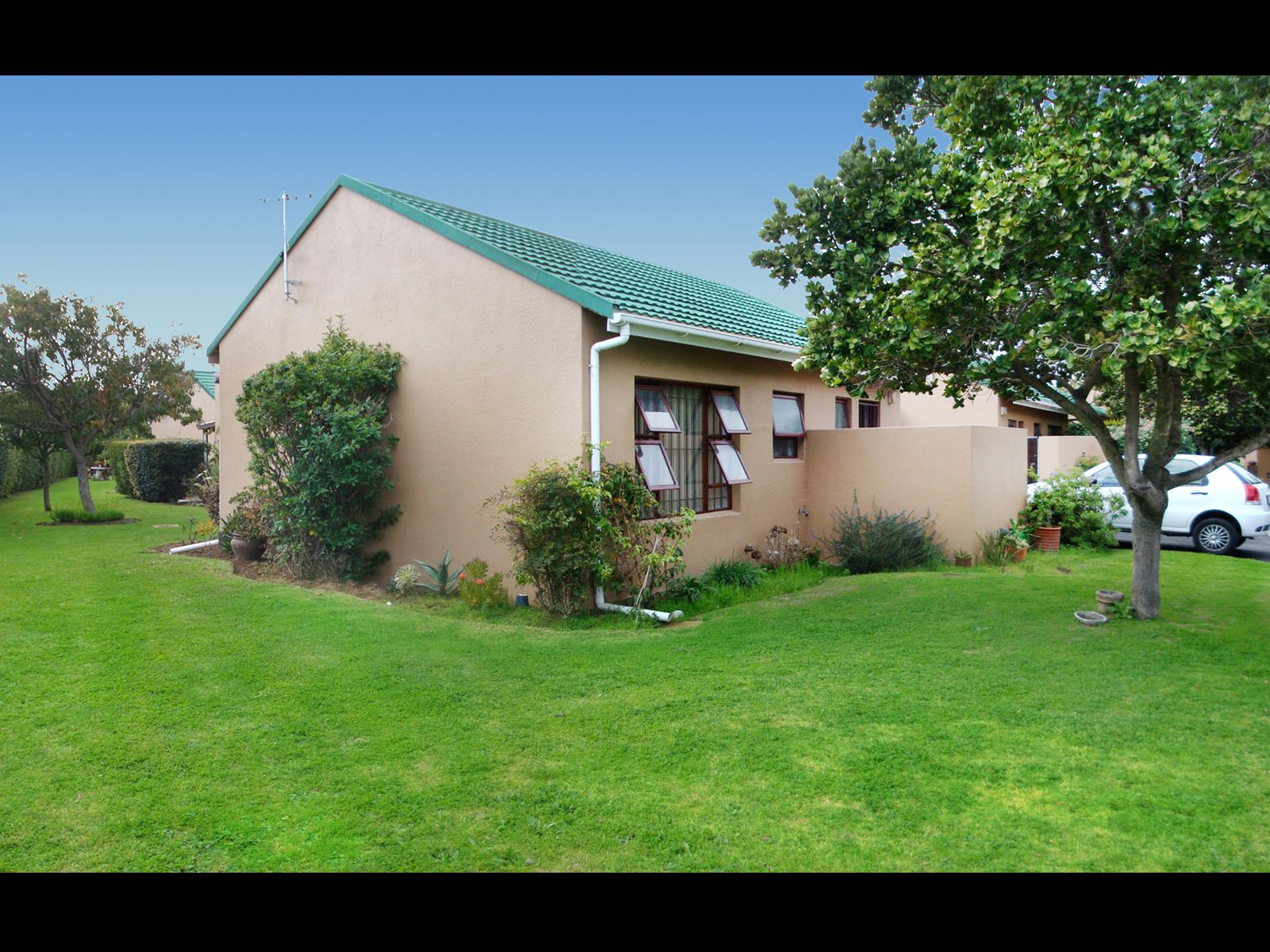 Strand South property for sale. Ref No: 13674227. Picture no 2