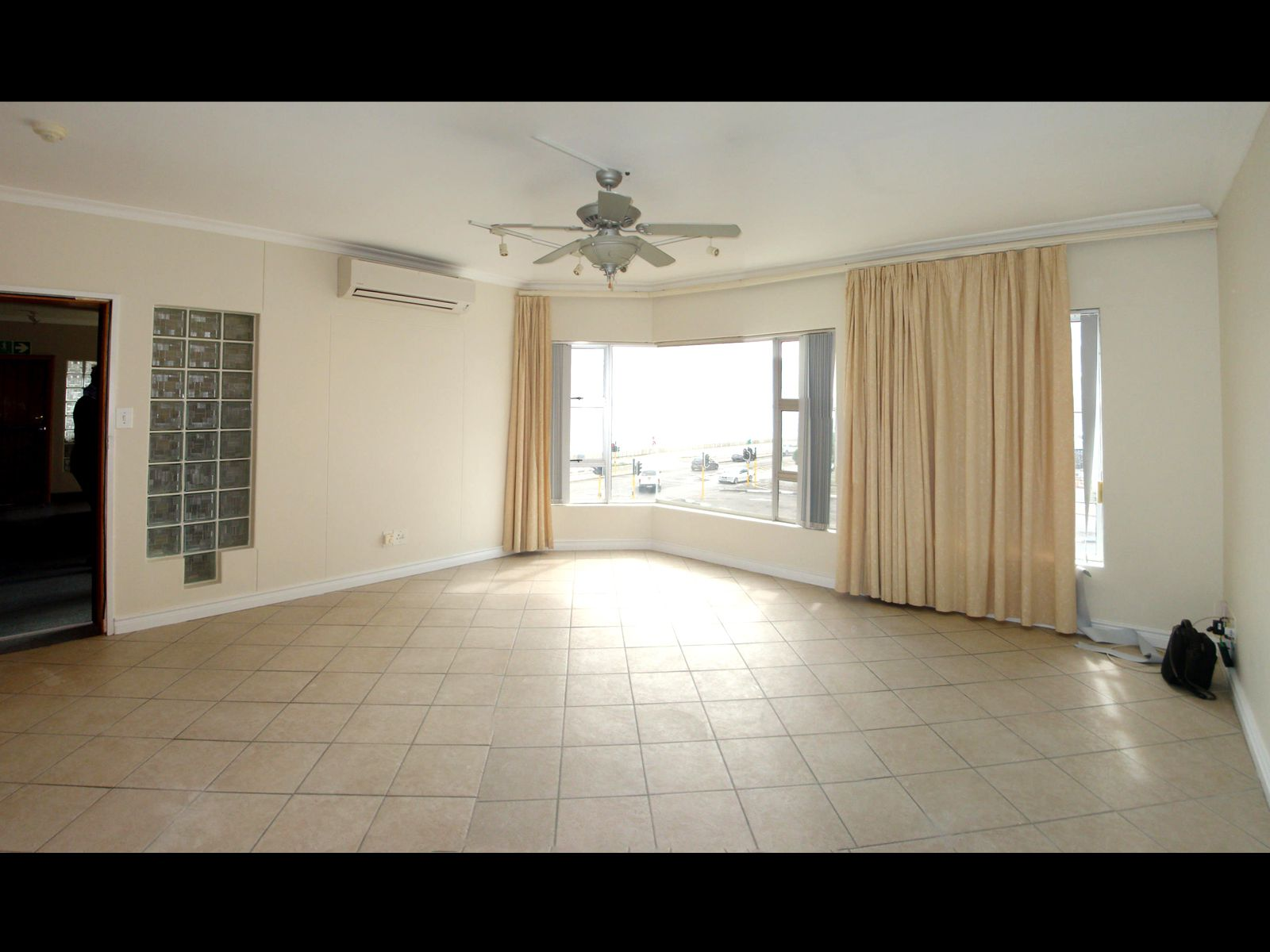 Strand North property for sale. Ref No: 13679879. Picture no 3