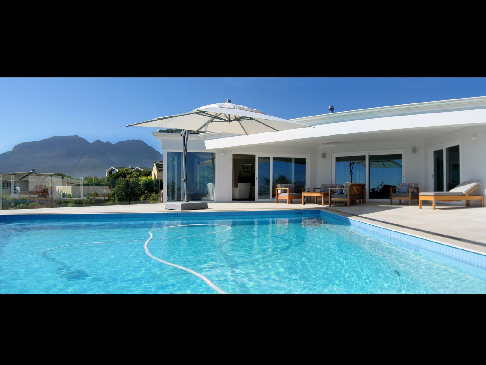 Property and Houses for sale in Somerset West (All), House, 3 Bedrooms - ZAR 9,500,000