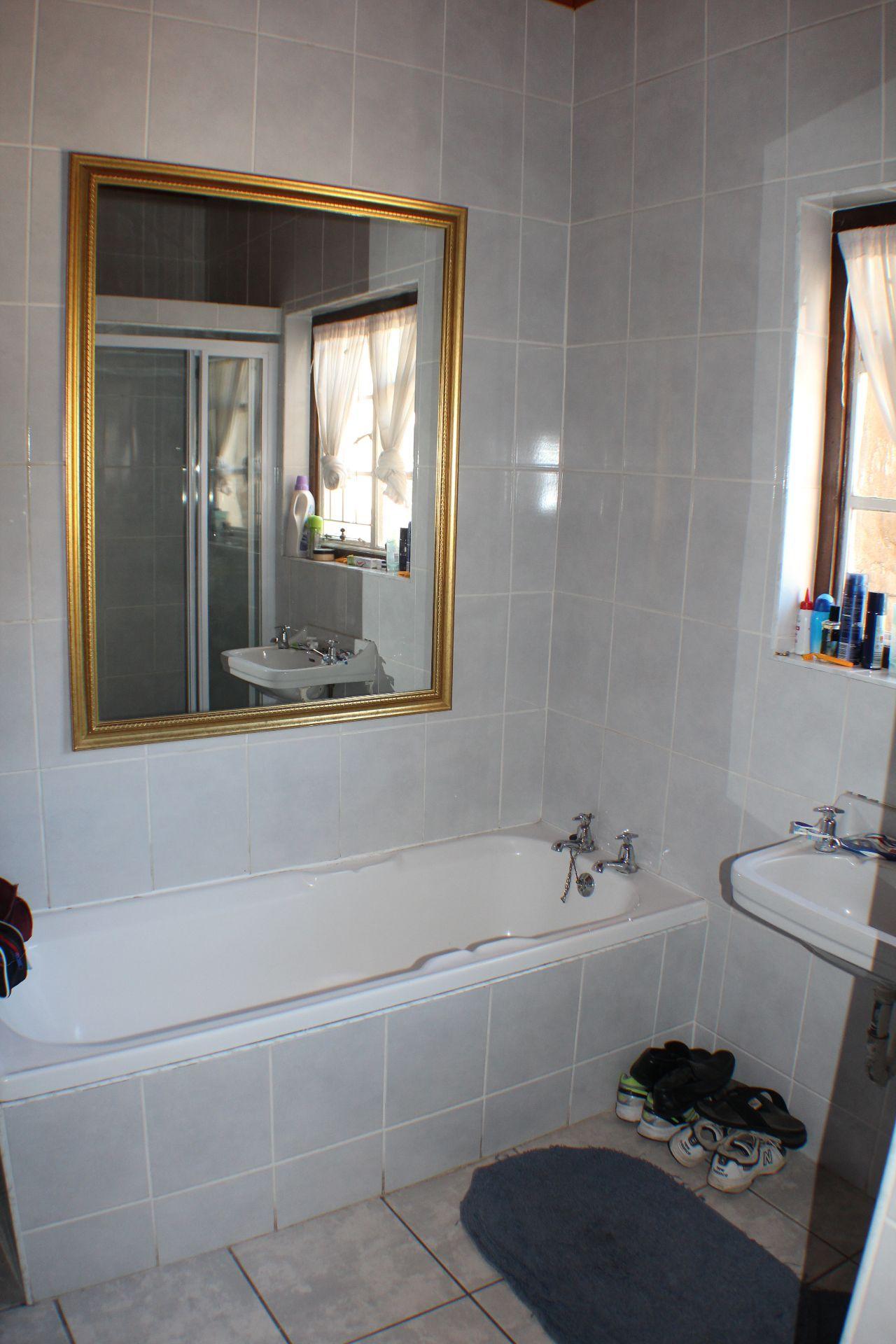 Strand North property for sale. Ref No: 13482082. Picture no 10