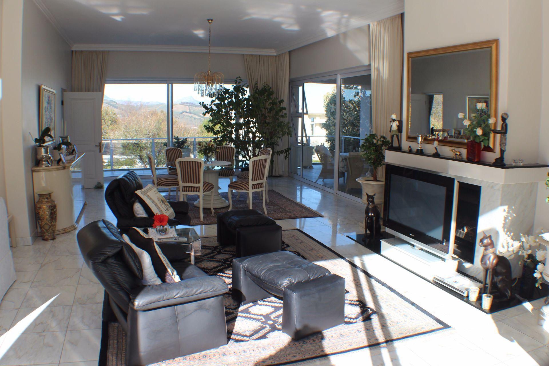 Erinvale Golf Estate property for sale. Ref No: 13509371. Picture no 12
