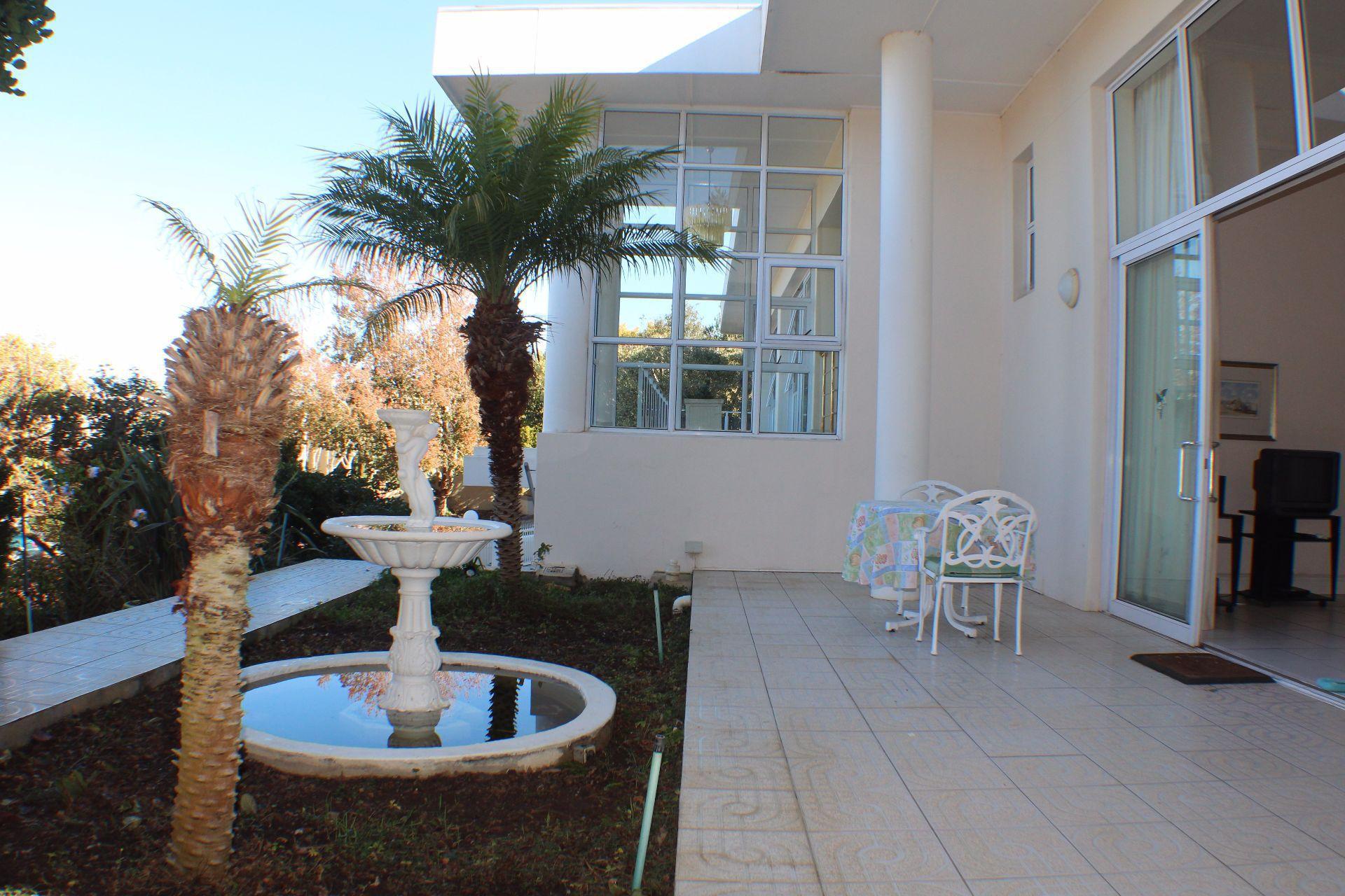 Erinvale Golf Estate property for sale. Ref No: 13509371. Picture no 23
