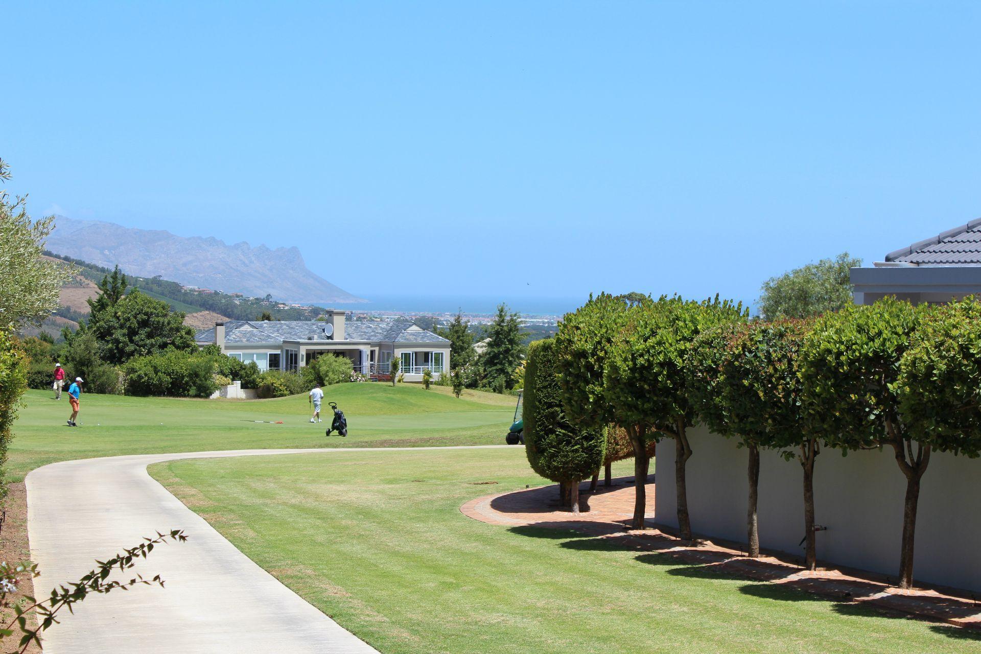 Erinvale Golf Estate property for sale. Ref No: 13509371. Picture no 34